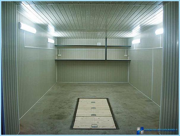 Обустройство металлического гаража внутри своими руками фото