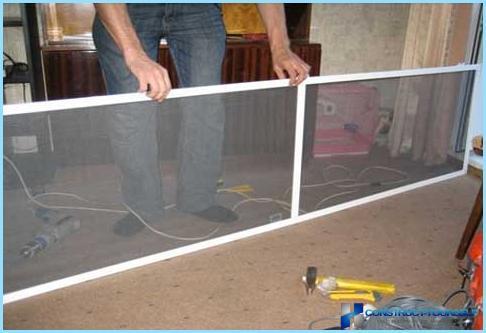 Kā instalēt moskītu tīklu uz loga