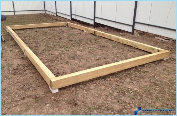 Quelle meilleure base pour la serre du bois du b ton des for Quelle fondation pour un garage
