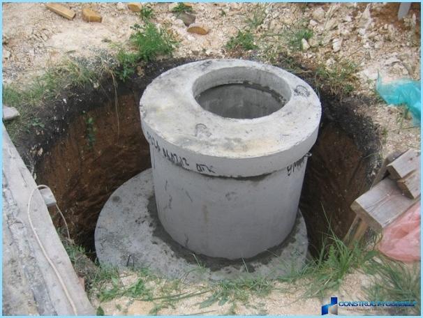 Ierīce septisko tvertņu betona gredzeniem