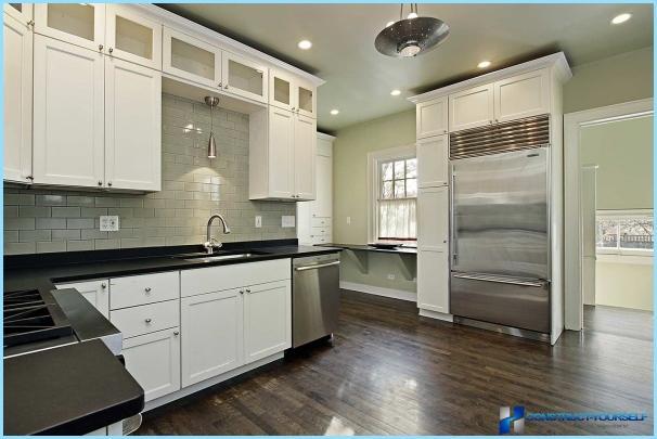 spot lichter in der k che mit hilfe von lampen fotos. Black Bedroom Furniture Sets. Home Design Ideas