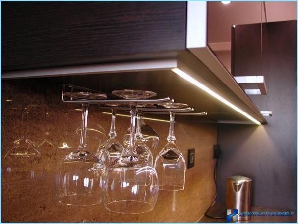 die m belst cke f r die k chenschr nke auf. Black Bedroom Furniture Sets. Home Design Ideas
