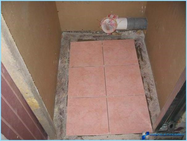 Укладка плитки на полу в туалете своими руками