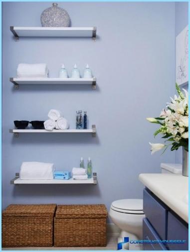 Tablettes en salle de bains