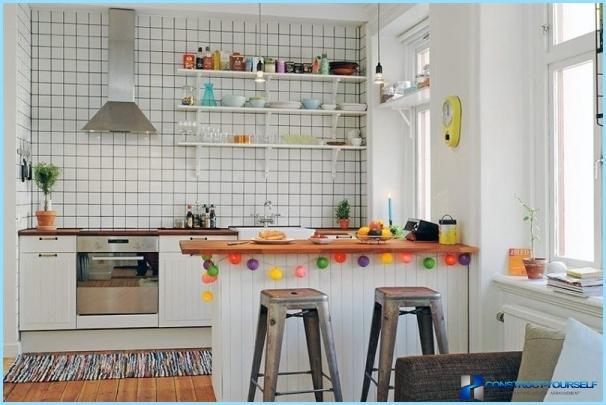 Disegno della cucina senza pensili superiori foto for Cucina senza pensili