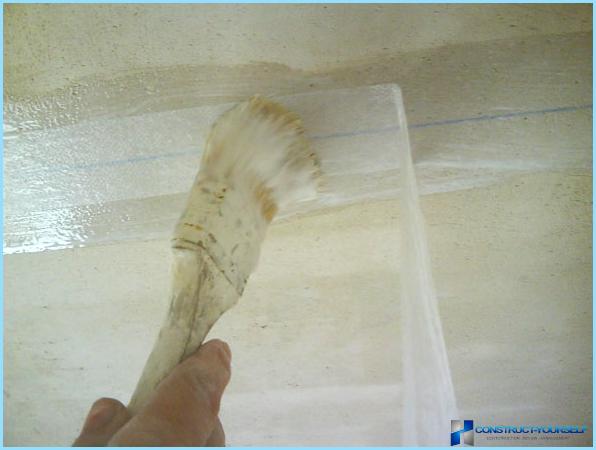 Kā lai aiztaisītu šuves starp grīdas plātnes
