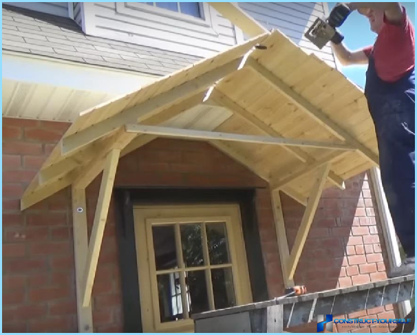 Построить навес над крыльцом на даче своими руками 75