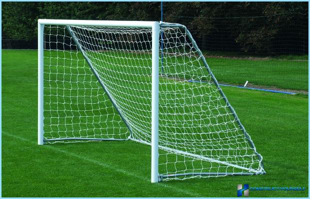 интересным должны ли быть закреплены футбольные ворота для
