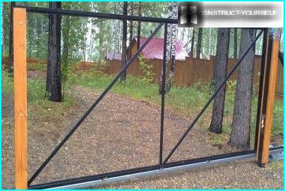 Mounted frame sliding gates