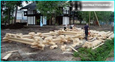 Piling logs
