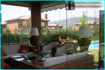 Frameless glazing of terraces