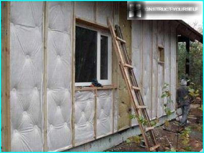 External wall insulation with mineral wool