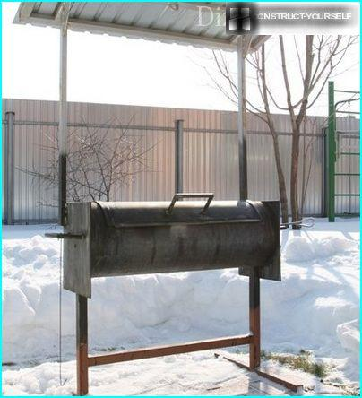 BBQ with canopy, made from pipe