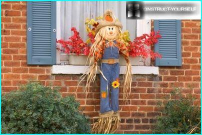 Scarecrow in a hat