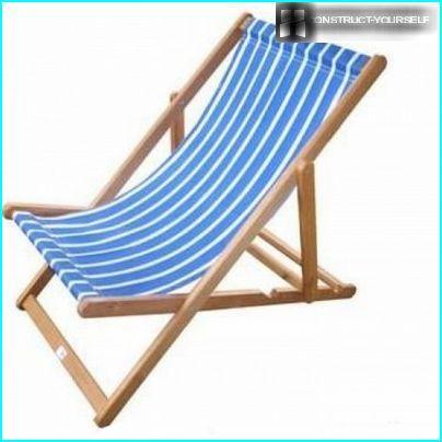 A convenient folding chaise longue