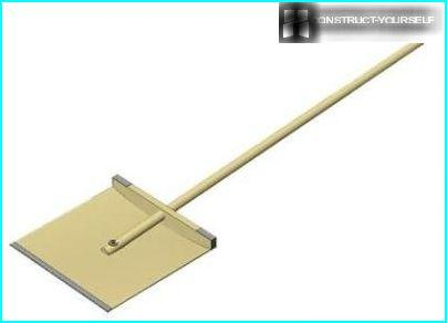 Wooden shovel