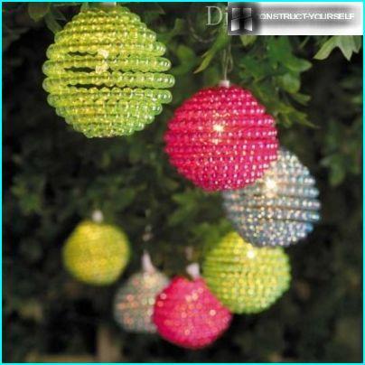 Lamp of beads