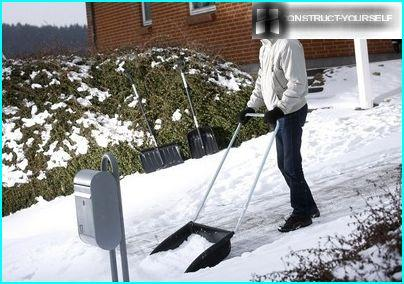 Scrapers - effective assistants when cleaning snow