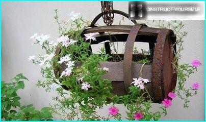 Pflanzenkübel aus dem Fass