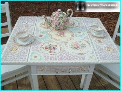 Table with porcelain mosaics