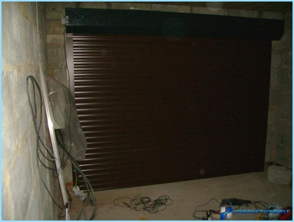 Shutters on the garage