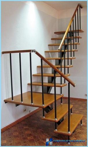 2階、屋根裏への螺旋階段の作り方