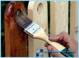 Comment peindre une clôture en bois de vos propres mains