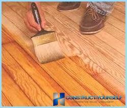 Kā izvēlēties grīdas laku, kas ir necaurlaidīga un mitrumizturīga