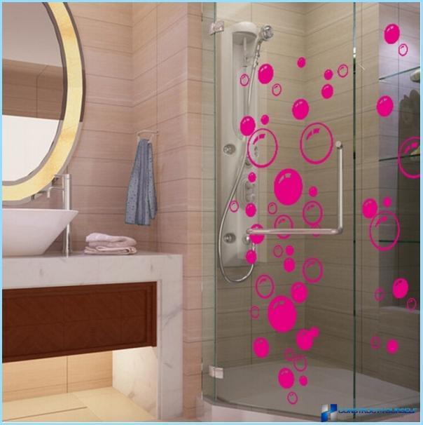 Koristetarrat kylpyhuoneessa