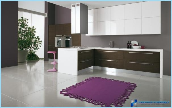 Brūna un balta virtuve