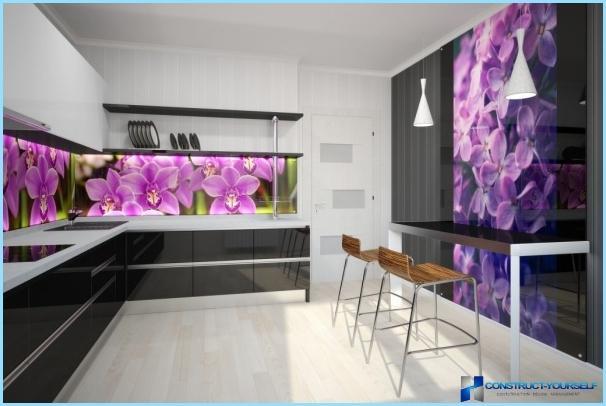 Glass wall panels