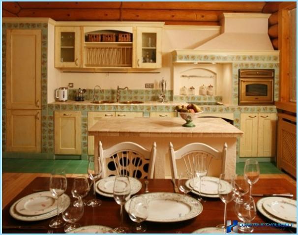 Keittiö puutalossa - moderni muotoilu maassa