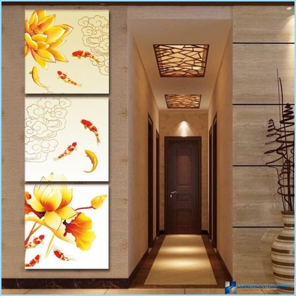 Modular paintings in the interior hallway