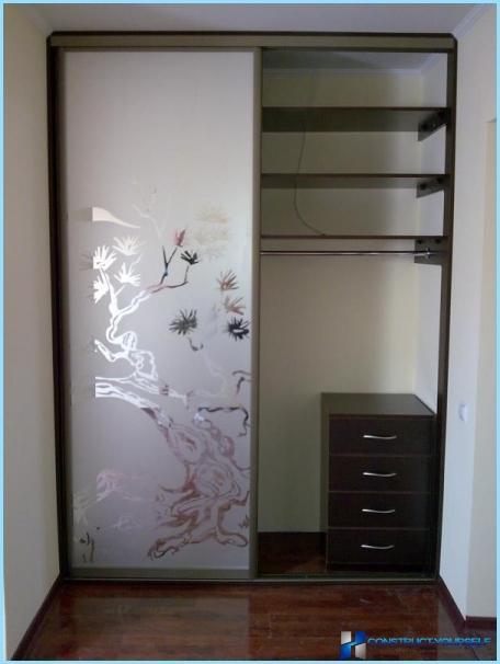 Design del corridoio in un piccolo appartamento