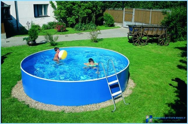 Lasten uima-altaat kesäasunnolle