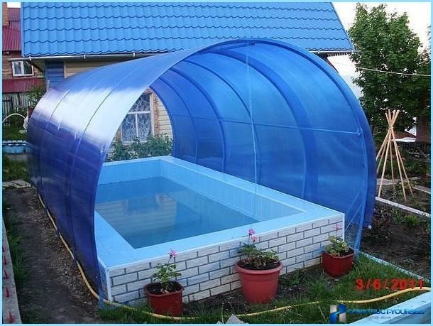 Piscina coperta per una residenza estiva