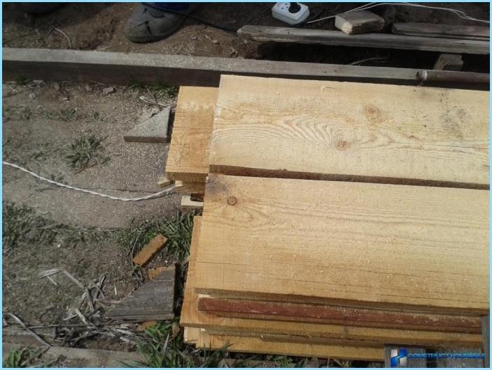 Rapporto fotografico dettagliato: letti alti della plancia