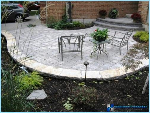 How to make a patio at the cottage