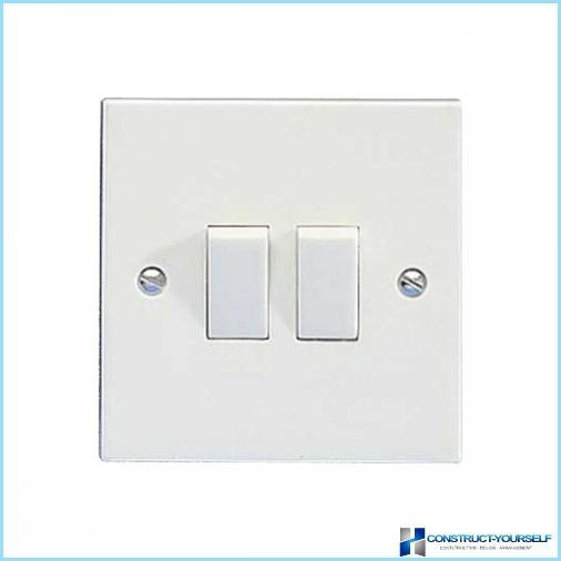 Come installare e collegare un interruttore della luce
