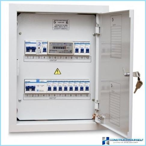 Regole per l'installazione di cavi elettrici in casa da soli