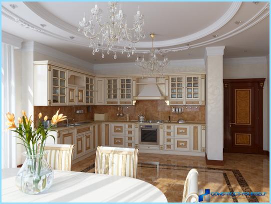 Klassisk stil i det indre af køkkenet