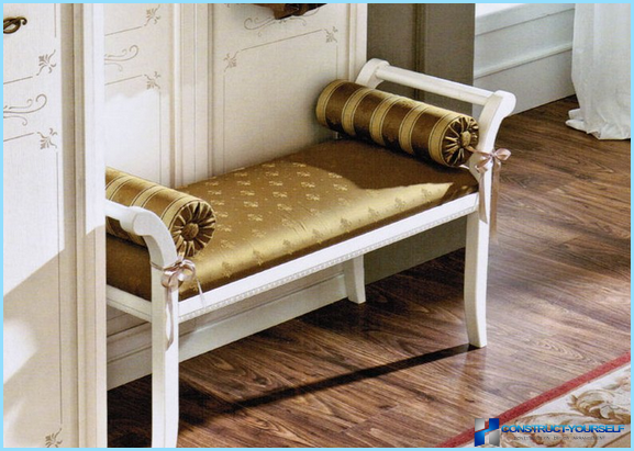 How to choose a bench in the hallway