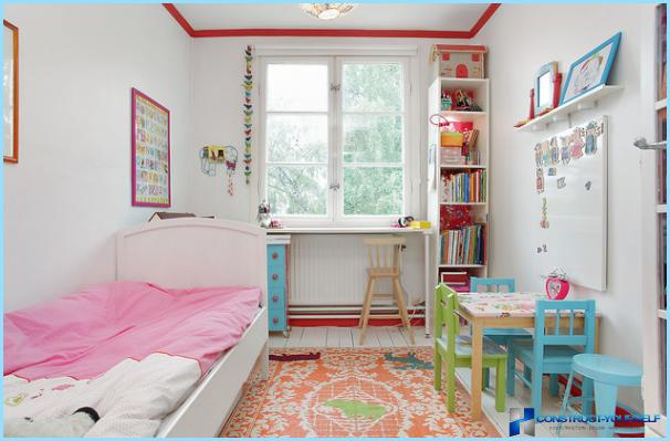 Interieur in een kleine kinderkamer