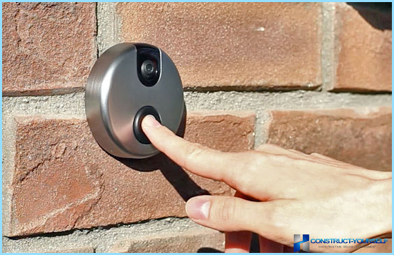 Connect the doorbell with his hands