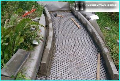 Apmales nostiprināšana uz cementa javas