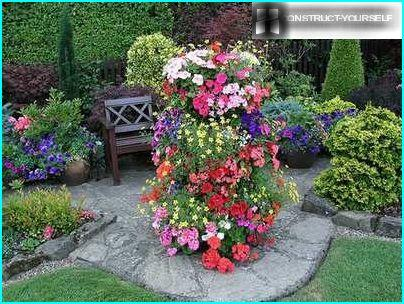 Vertical flowerbed