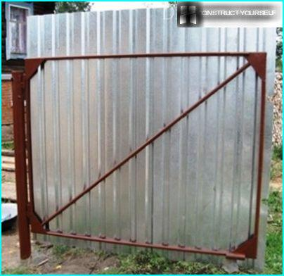 Diagonale stænger for at øge portens stivhed