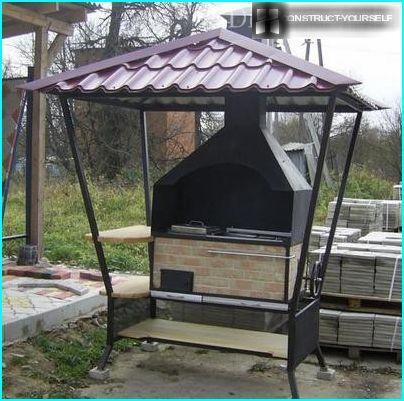 Braciere con tetto e cappa di scarico