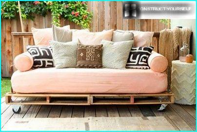 Sofa, fitted with rollers