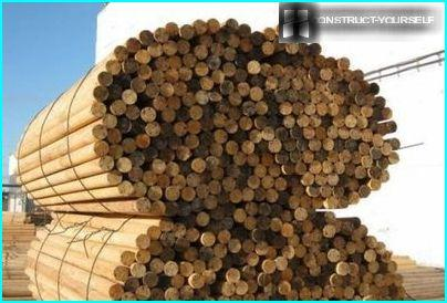 Smooth logs for a durable fence